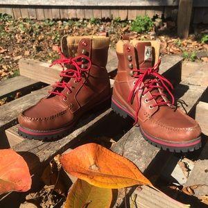 Timberland size 8 Moc Toe Boot